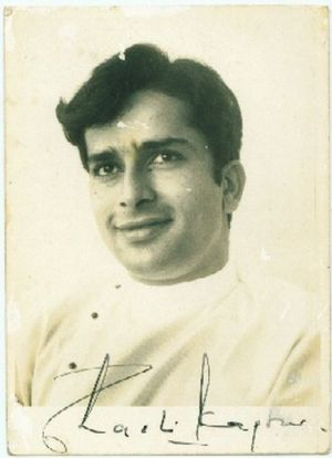 signed_photo_of_indian_actor_shashi_kapoor_28229